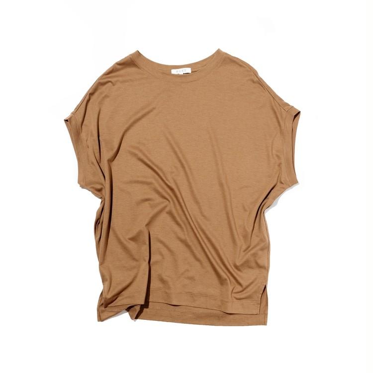 プラステのリヨセルコットンTシャツの全体