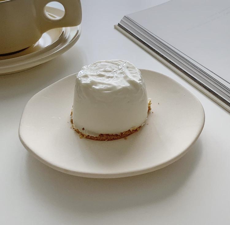オーブン、ミキサー不使用!混ぜるだけ!!SNSで話題の簡単ヨーグルトチーズケーキ_1