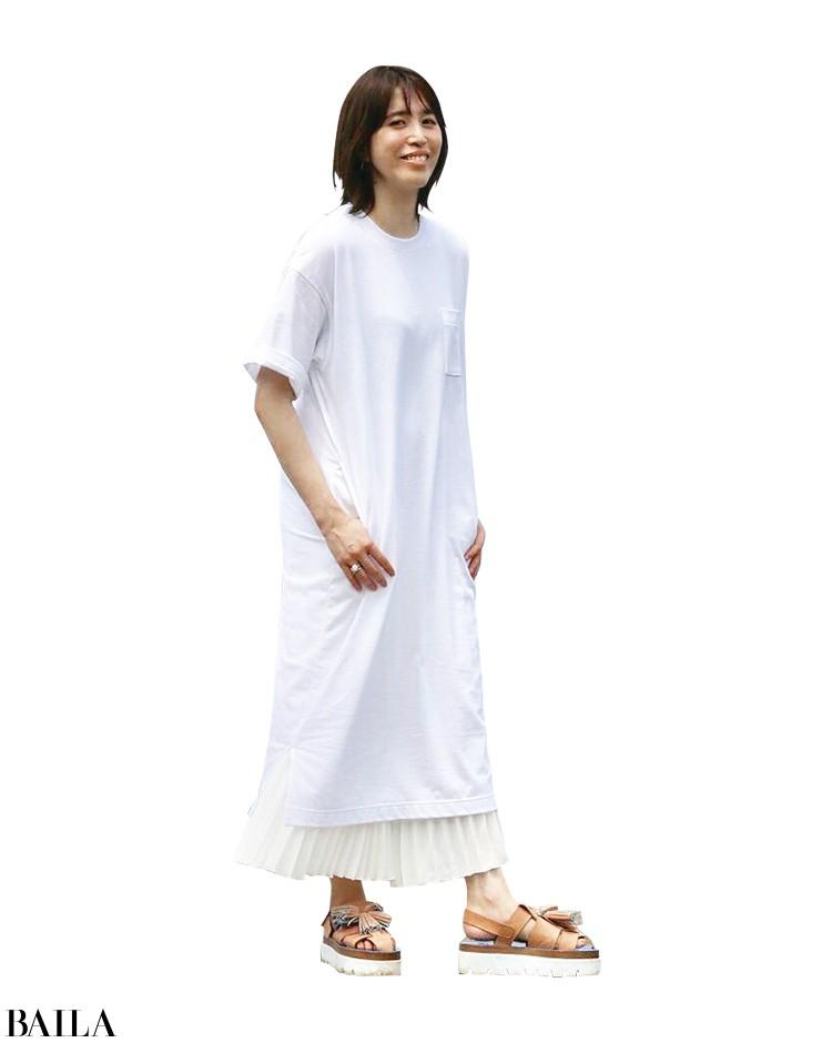 難易度高めなロングTシャツをプリーツで女性らしく!