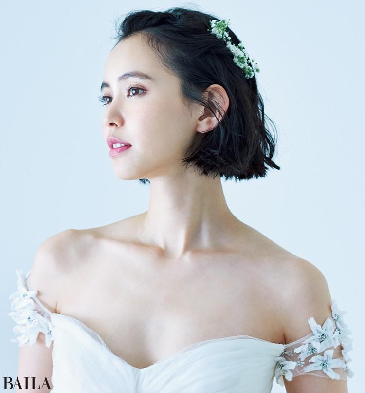 ドレス(レンタル)¥330000/ザ・トリート・ドレッシング アディション店(リーム・アクラ) ピアス/モデル私物