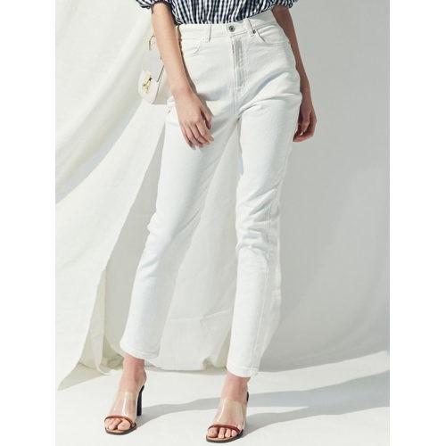 忙しい日は、ミニマルな白コーデに今っぽいシャツワンピをはおって!【2019/4/18のコーデ】_4