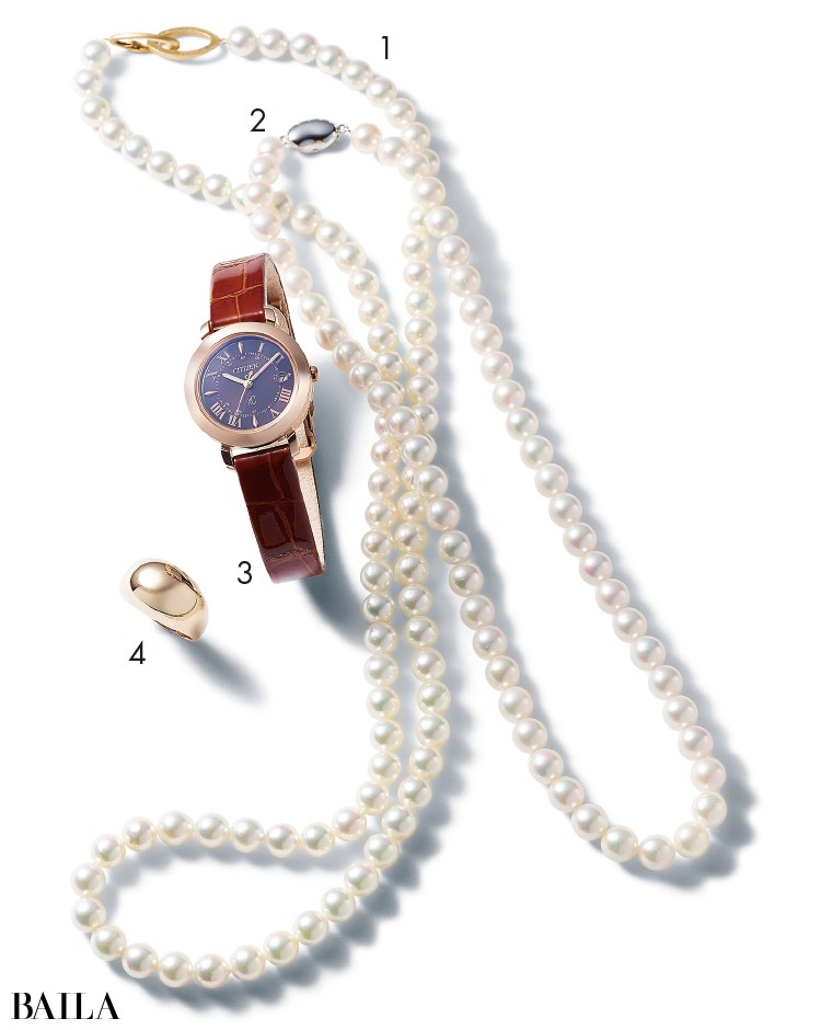 チェリーブラウンのネックレス、ヴァンドーム青山のネックレス、シチズン クロスシーの時計、エナソルーナのリング