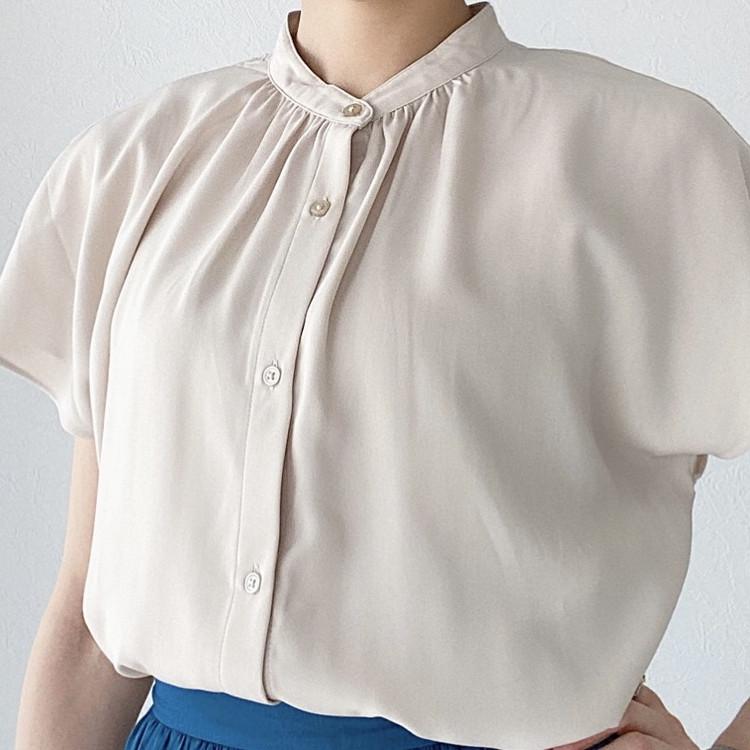 GU990円の高見えシャツで大人の着回しベージュコーデ!_6