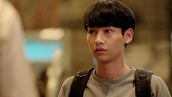 タイの人気俳優ガン (Gun/Atthaphan Phunsawat)