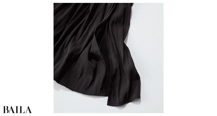 ユニクロのワッシャーサテンスカートパンツのポイント