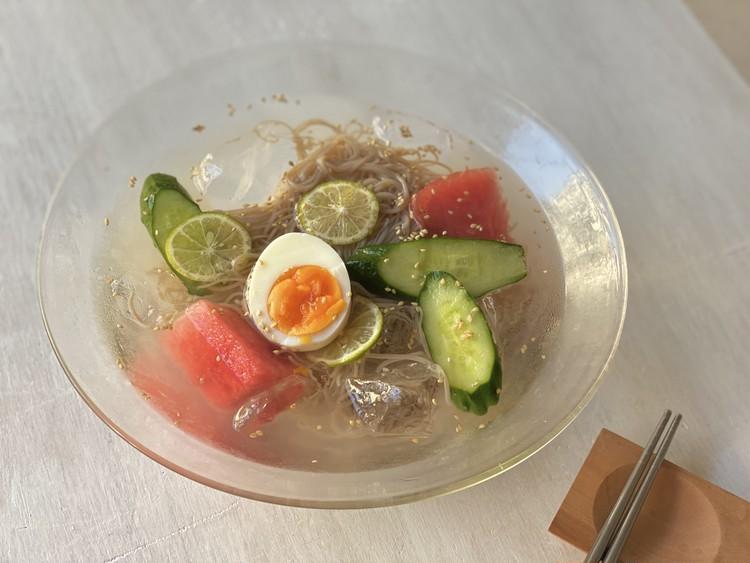 6.スイカとキュウリの冷麺