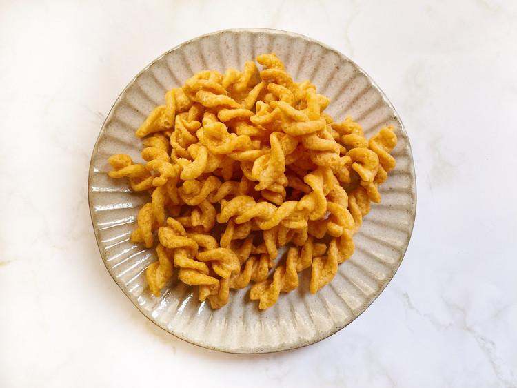 糖質10g以下のお菓子 パスタスナック チーズ味(開封)