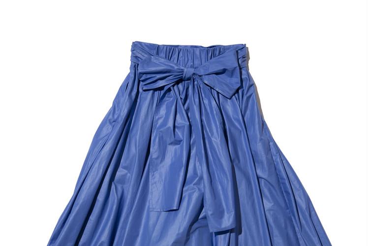 【フレイアイディー(FRAY I.D)】春新作のギャザーフレアスカートのウエストリボンの結び方・後ろ