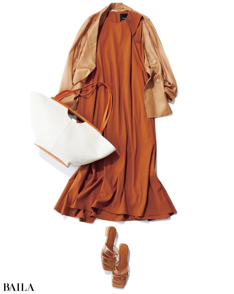 こっくりと、ほんのり甘いキャラメル色のAライン。透けジャケットで鮮度よく