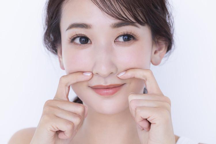 ほうれい線消しメソッド01▷頬全体の筋肉を深部からほぐす