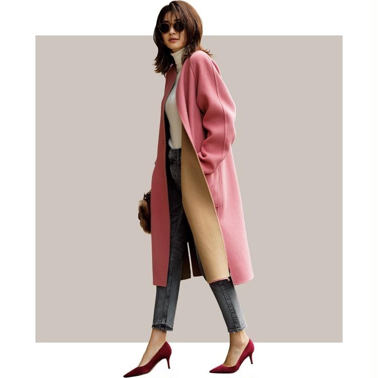 上品なベージュと高感度なピンク。最旬カラーのリバーシブルで冬中素敵