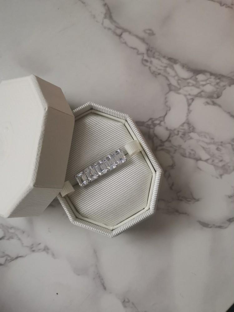 スワロフスキーの指輪