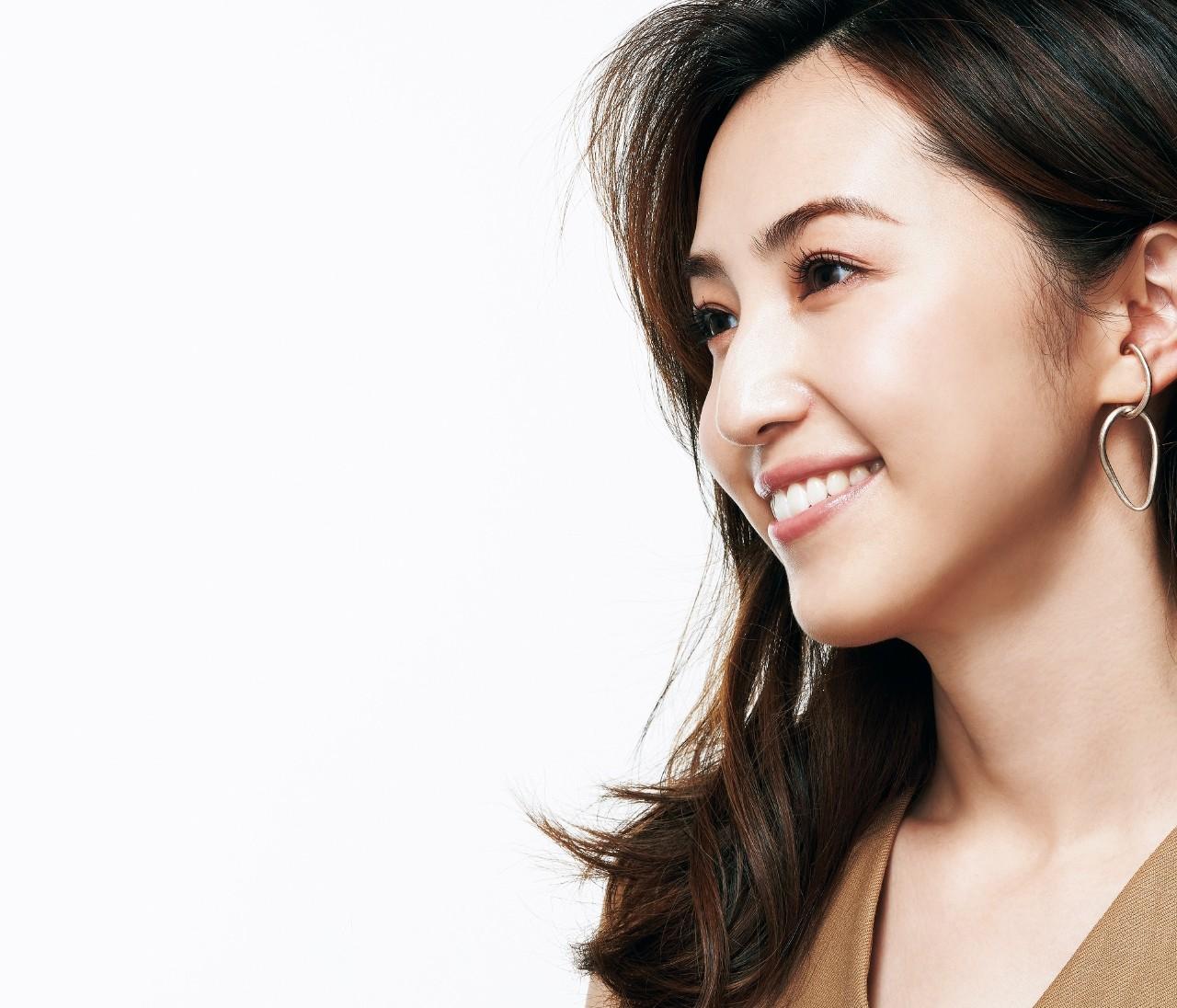 美容研究家・有村実樹さんが下半顔ケアを実践!愛用コスメから顔の体操まで