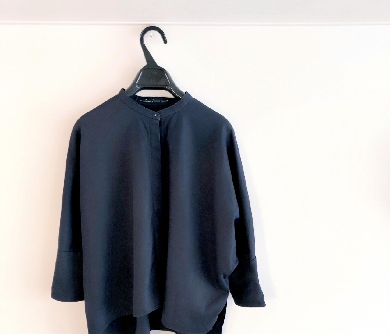 【通勤コーデ】uemulo munenoliのシャツに一目惚れ