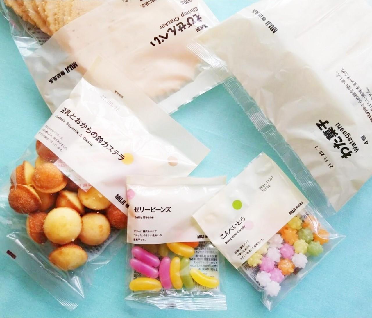 【無印良品】懐かしい「わた菓子」「鈴カステラ」など駄菓子が充実♡ えびせんべいはB級グルメ「たません」風アレンジで縁日気分に!