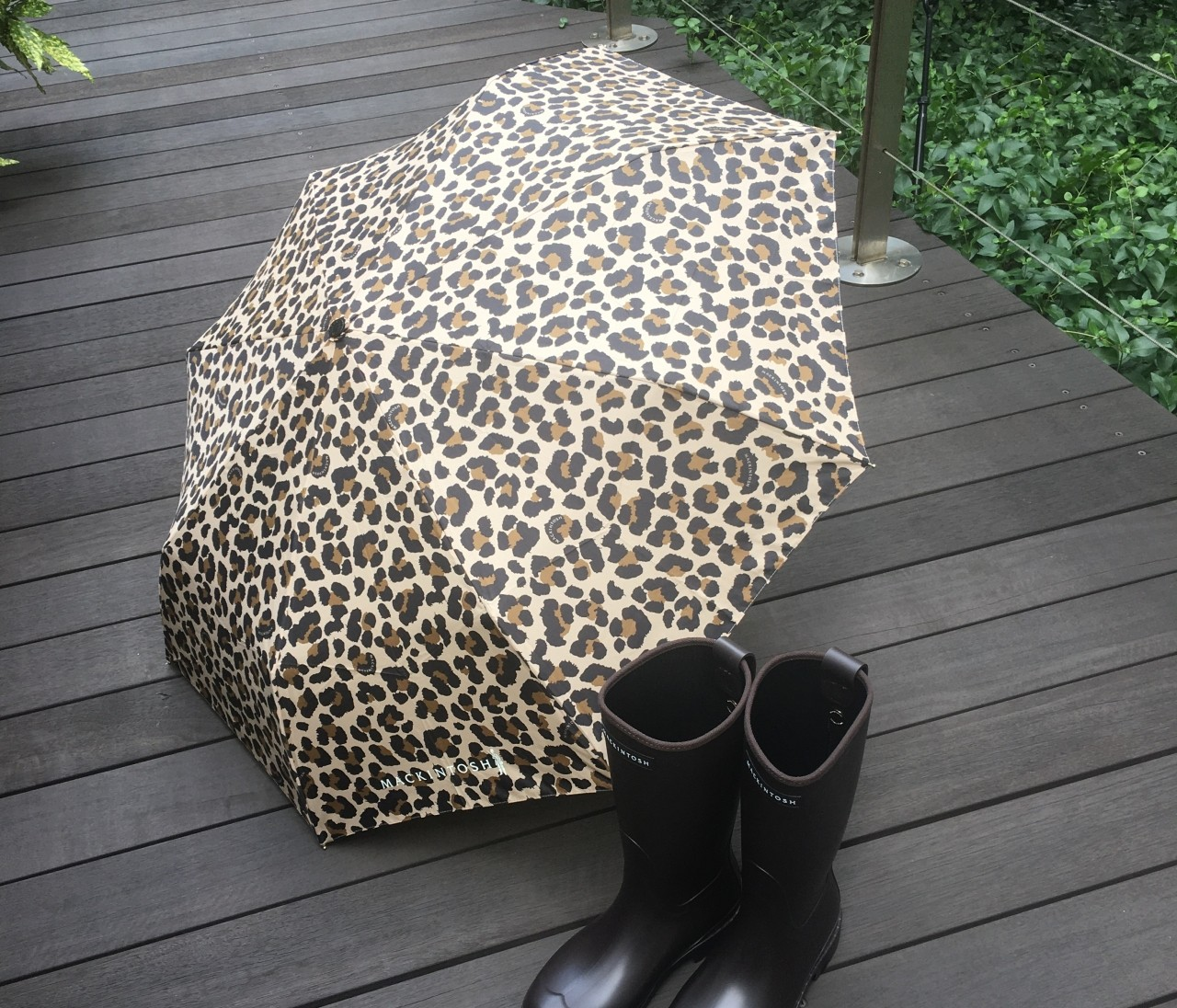 【エディターのおうち私物#51】梅雨シーズンが楽しくなる上がる傘&レインブーツ