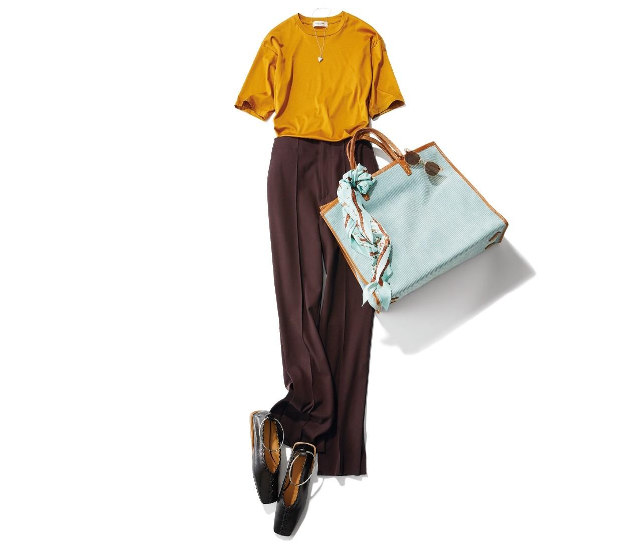 秋の注目カラー「黄みブラウン」のTシャツはこう着る!