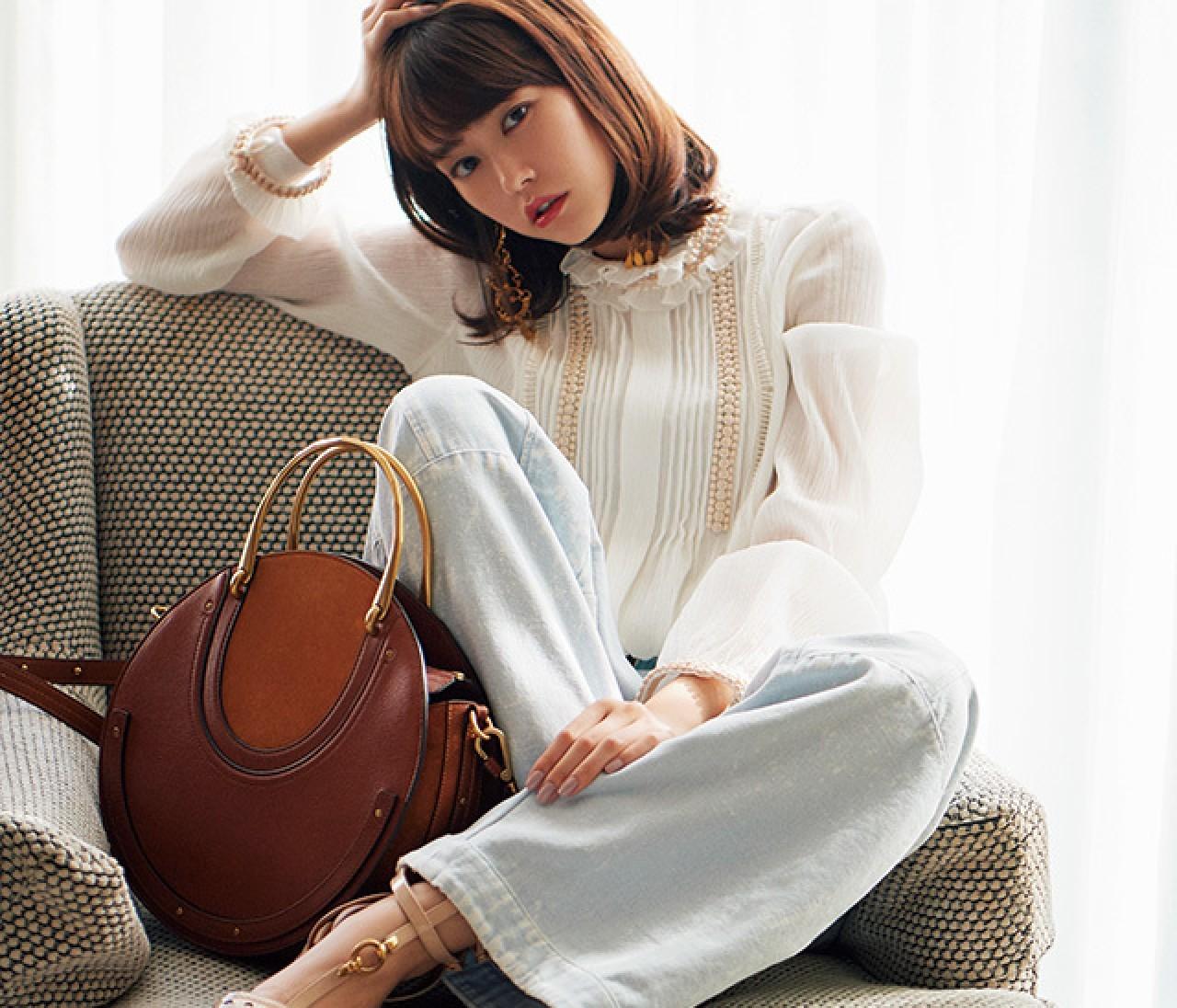 画像一覧 桐谷美玲が恋した、ステディブランドの新作バッグ&シューズ9選