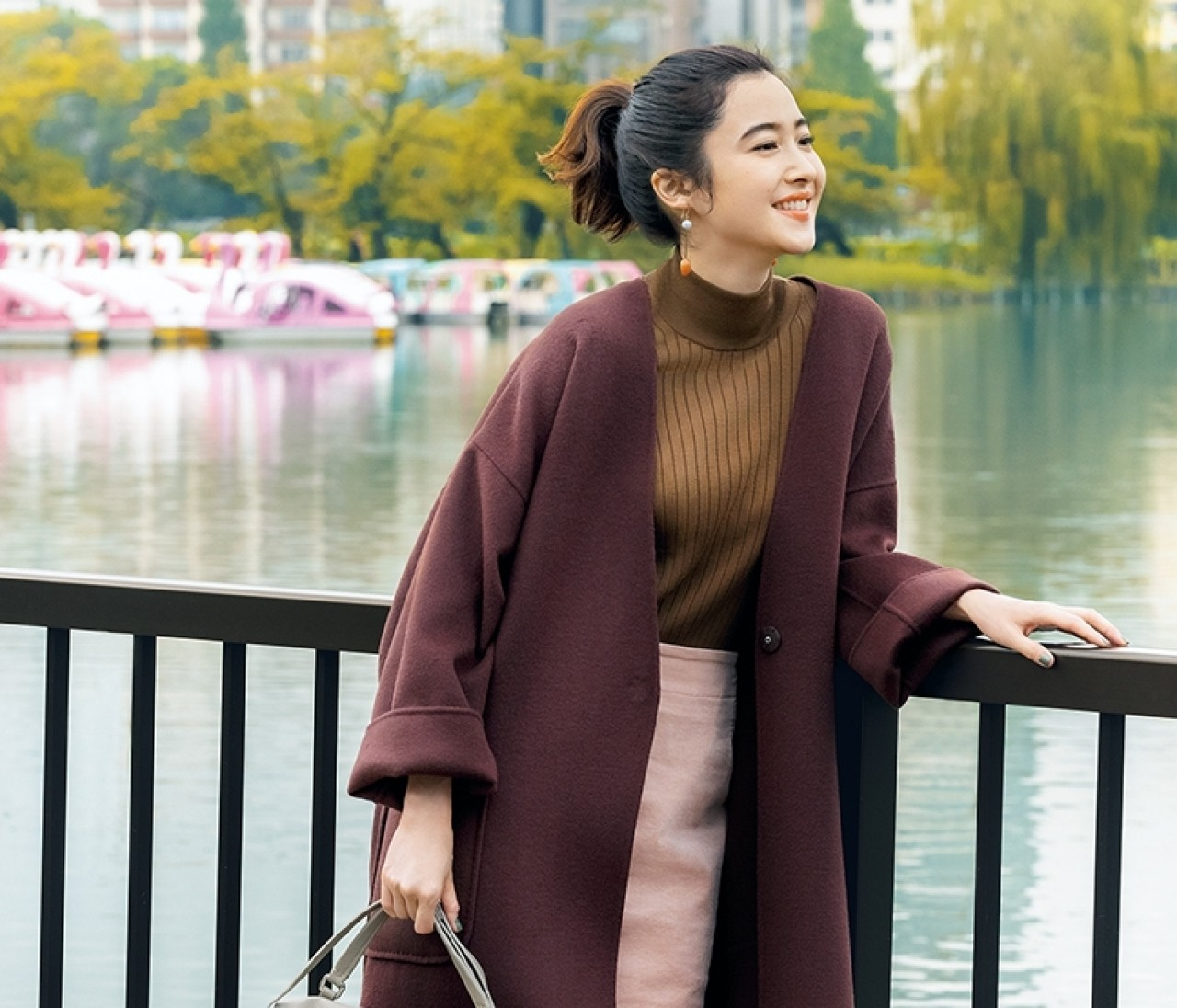 朝早く起きた日は、女っぽいブラウン×ピンクの洗練コートスタイルでブランチへ【2019/11/23のコーデ】