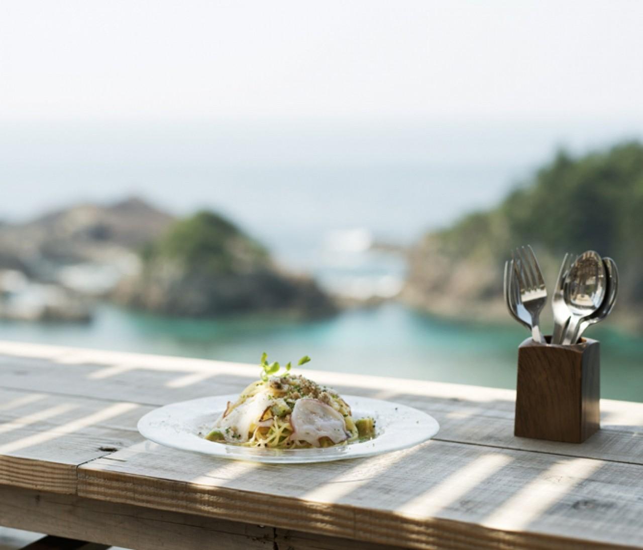 絶景×おしゃれな最強リゾートカフェ。夏のお出かけ和歌山編③【関西のイケスポ】