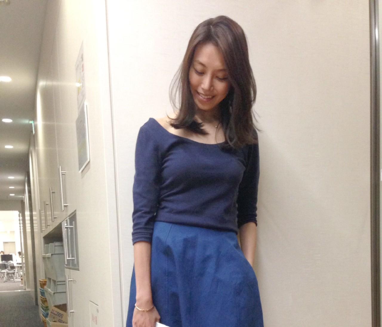 【スナップ】デスクワークの気分を上げるふんわりスカート