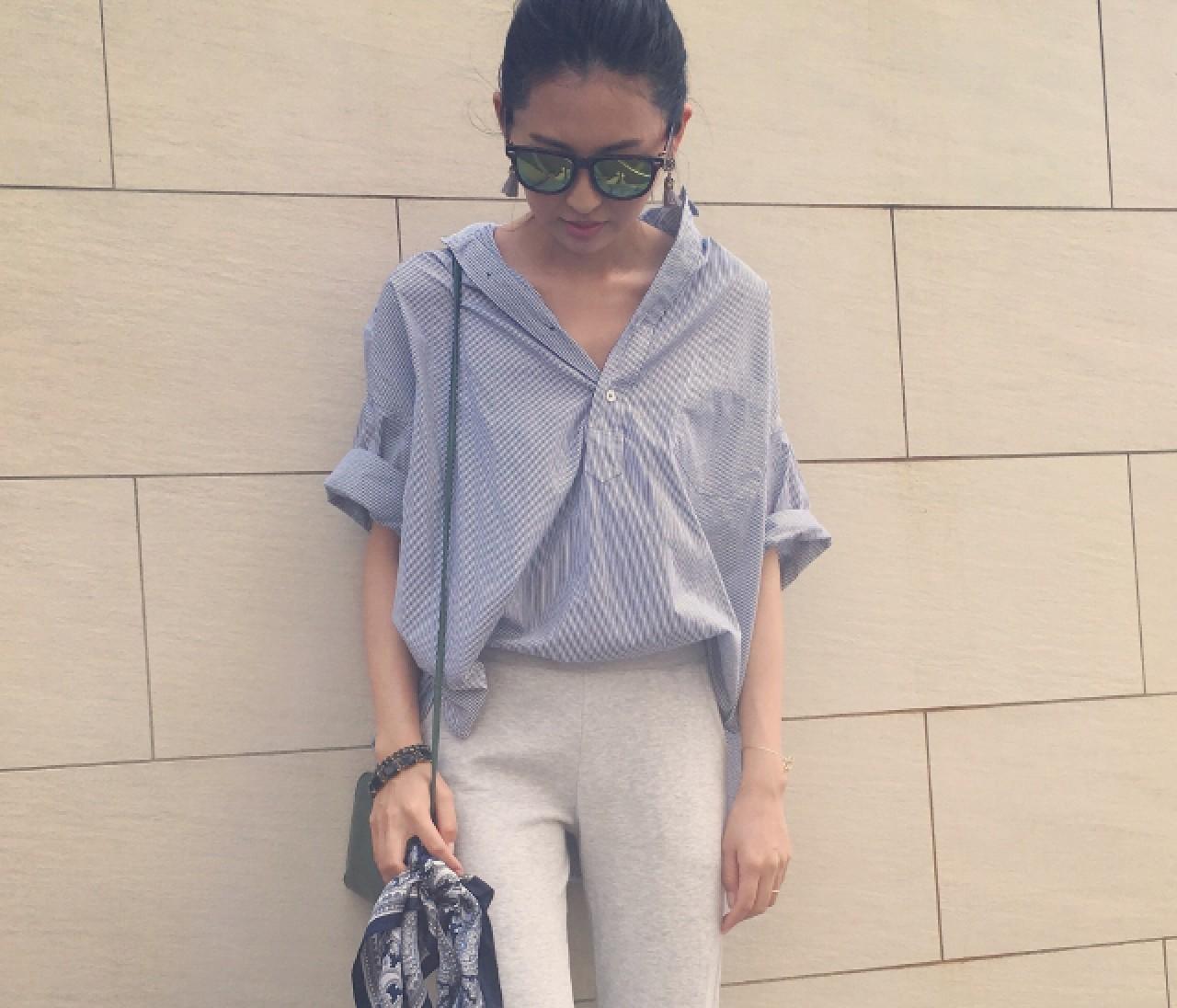 【スナップ】ゆる感ビッグシャツを女らしく着る方法