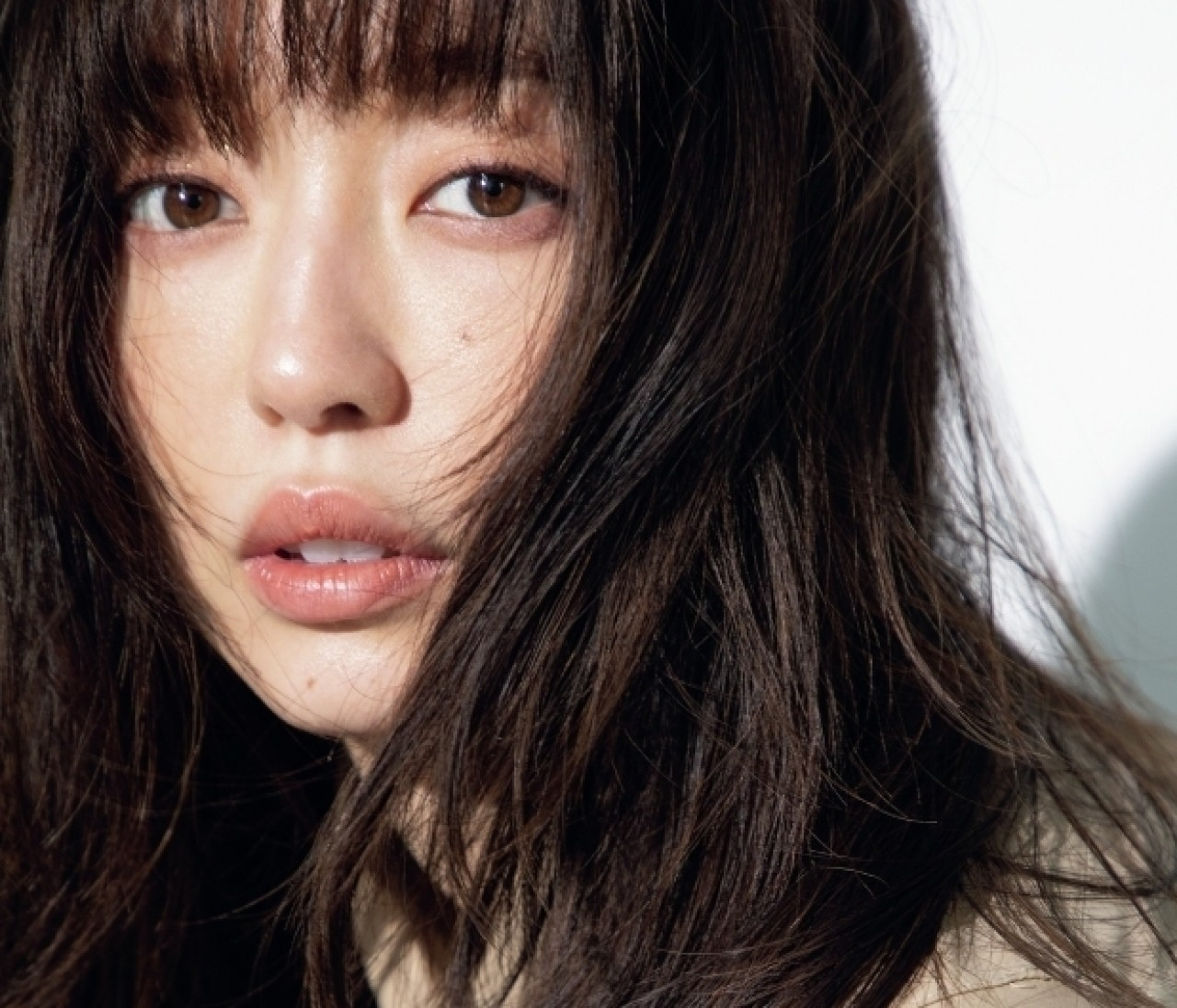 【松島 花に30の質問】モデルデビュー20周年!ファッション、ビューティ、仕事…31歳の今を語る!