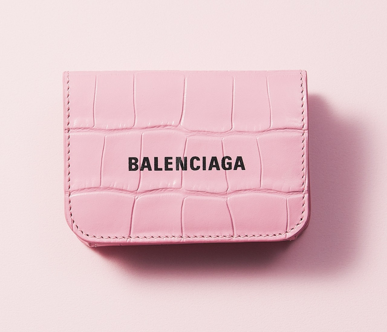 ロエベ、ディオール、バレンシアガ…ハイブランドのミニ財布、きれい色系4選【30代の新名品】
