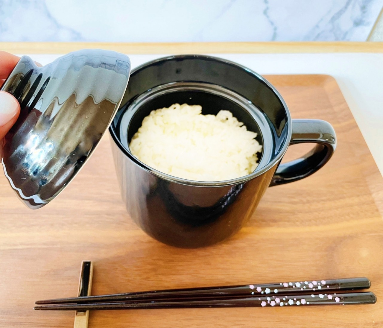 【ダイソー】電子レンジでごはんが炊ける「炊飯マグ」が超優秀!一人暮らしにもぴったり♡