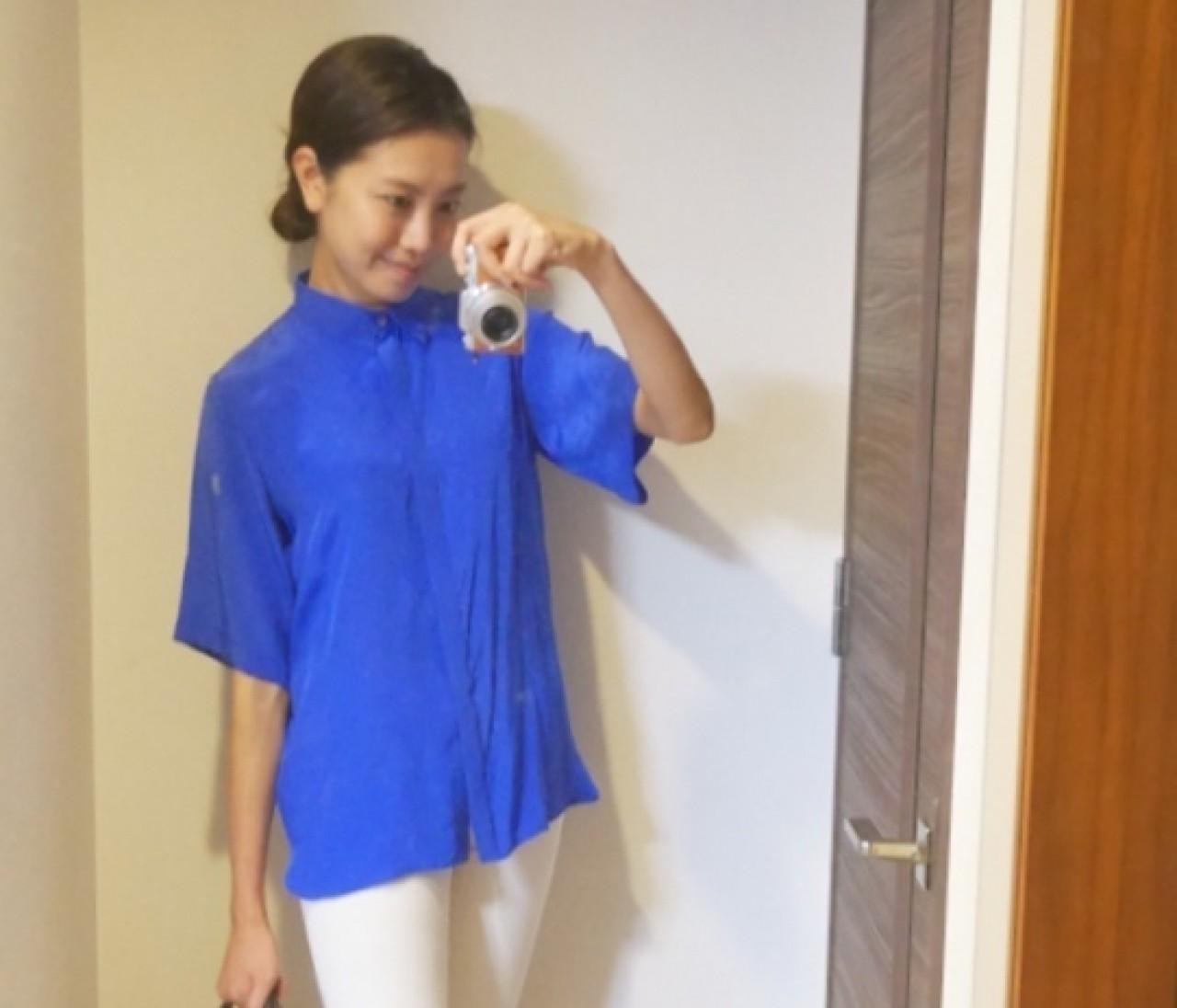 【スナップ】色鮮やかなブルーシャツで夏を先取り!