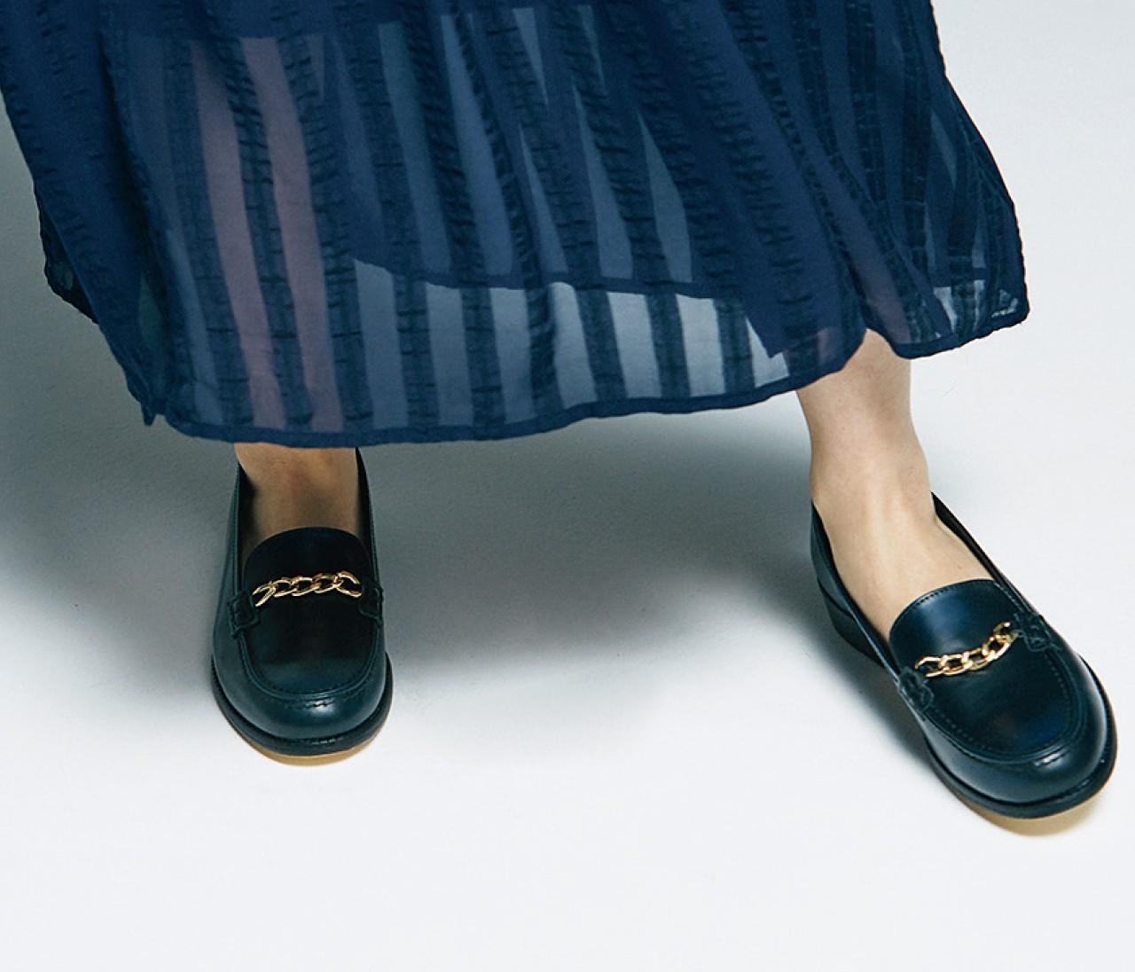 きれいめフェミニン派こそ、この秋の足元はトラッド靴が使える!
