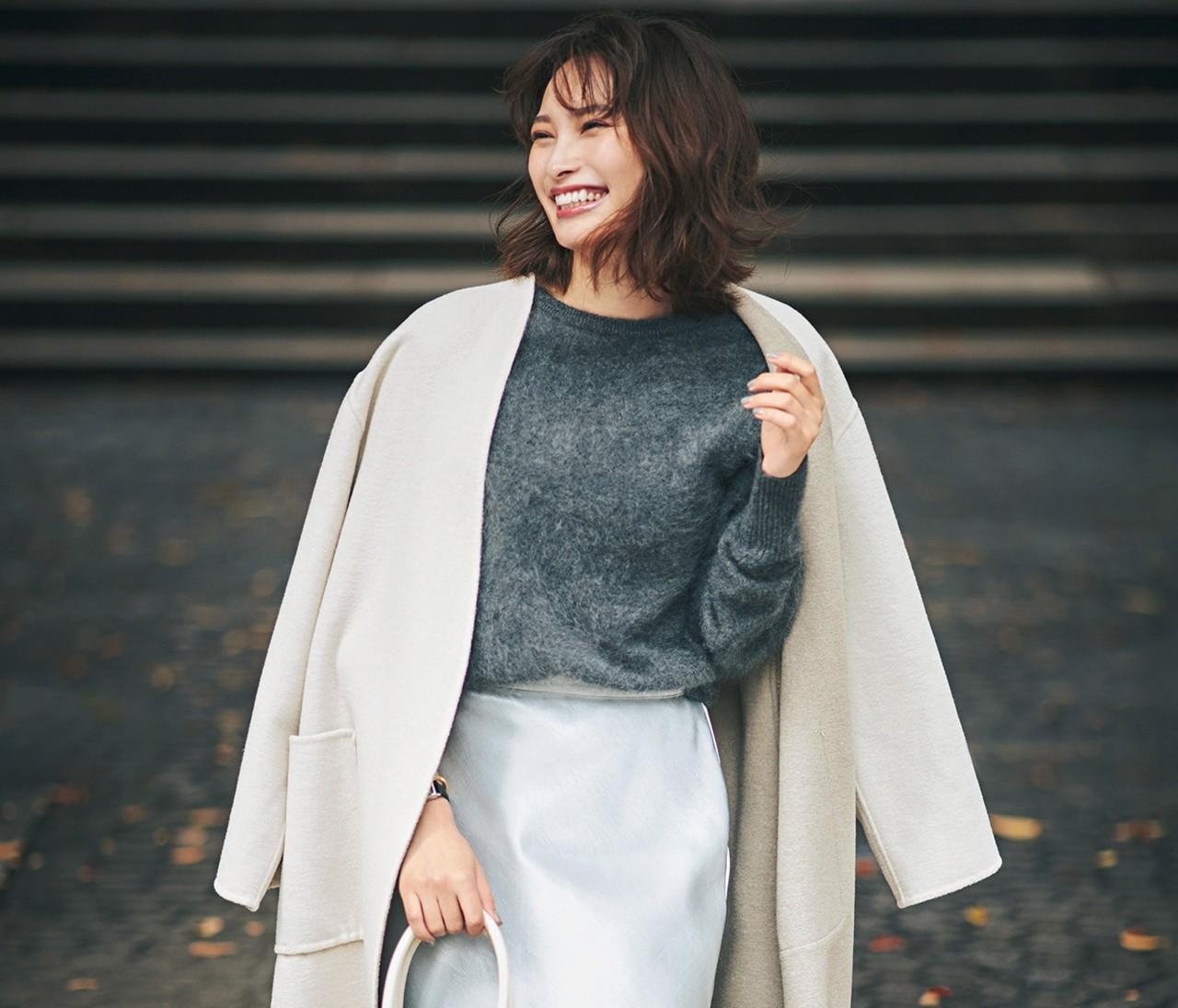 【着やせ旬スカート大賞】「ストロベリーフィールズ」のサテンスカートで女っぽく!