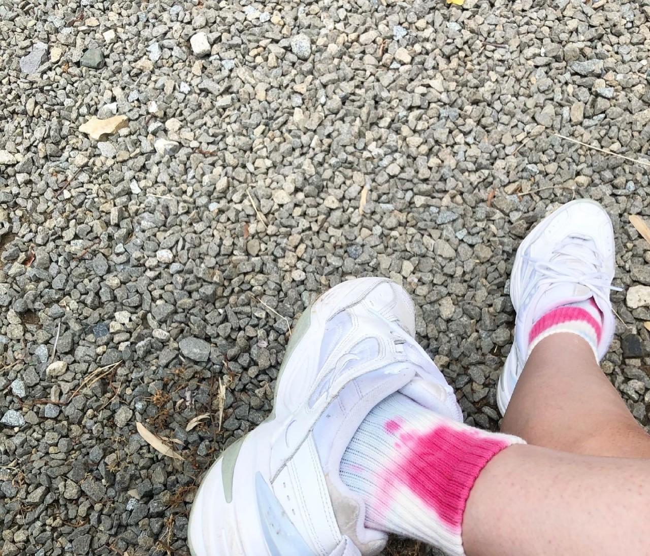 タイダイ柄の靴下どう履く?夏のアウトドアコーデ
