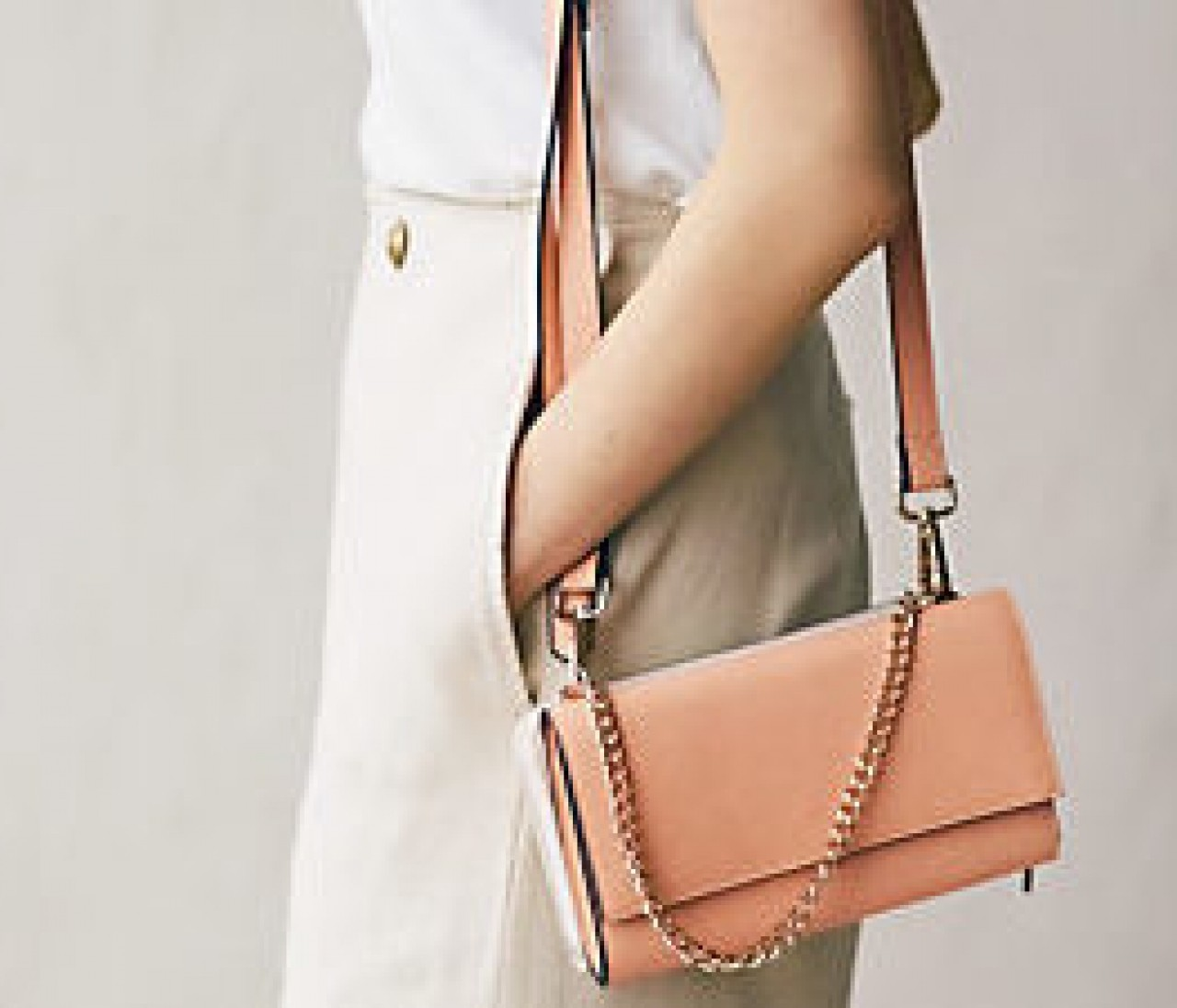 マチありショルダーバッグはクラッチにもお財布にもなるんです【晴れた日のポチりたガール】
