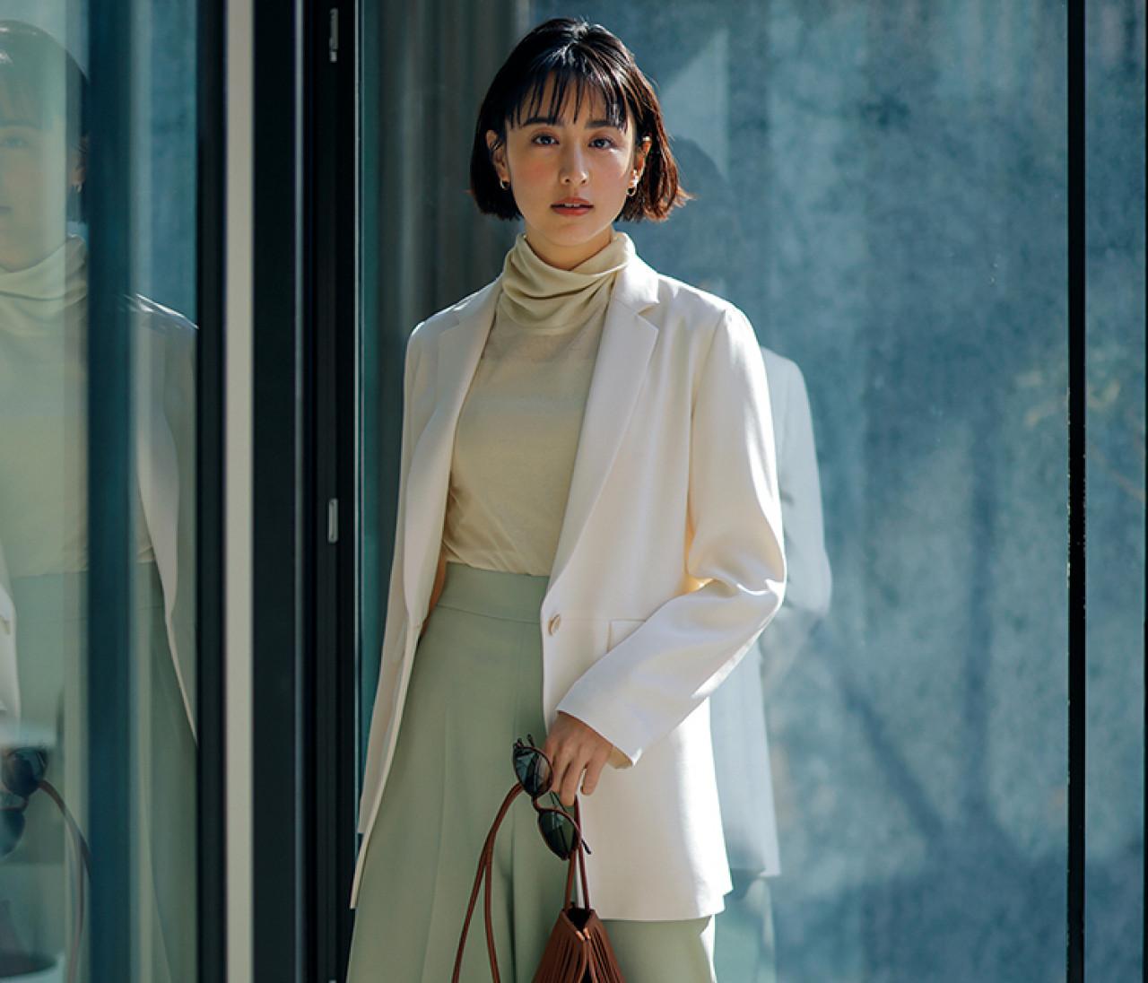 【働く30代の春ジャケット】清潔感のある白ジャケット&透けインナーで洗練センシュアルコーデ