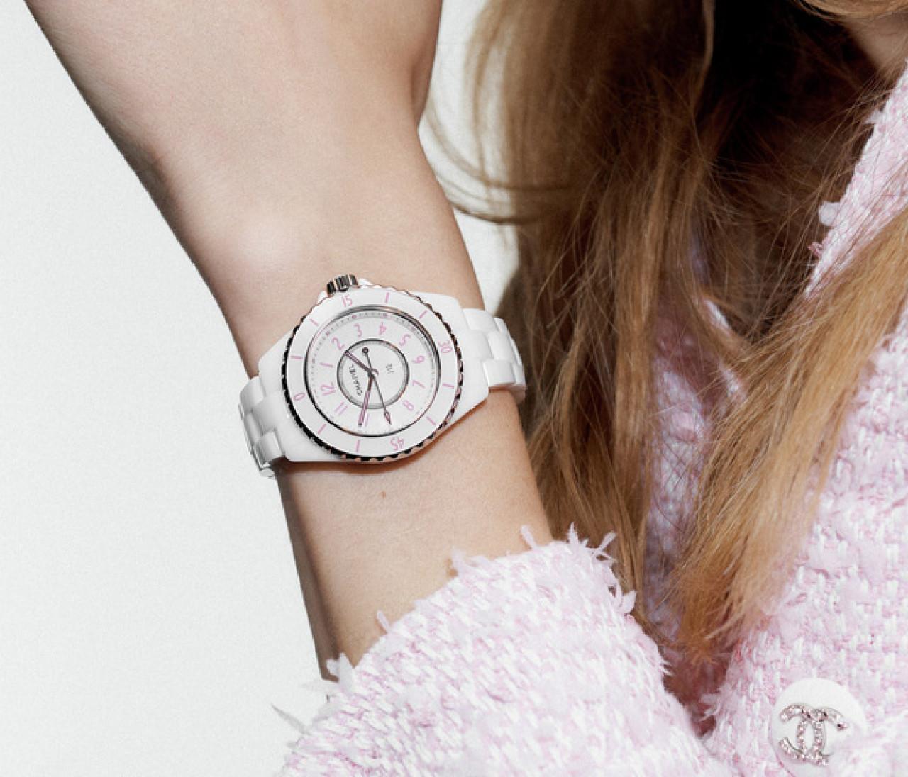 【シャネルのアイコン時計「J12」】世界で1200本限定「J12  ピンク ブラッシュ」が誕生!