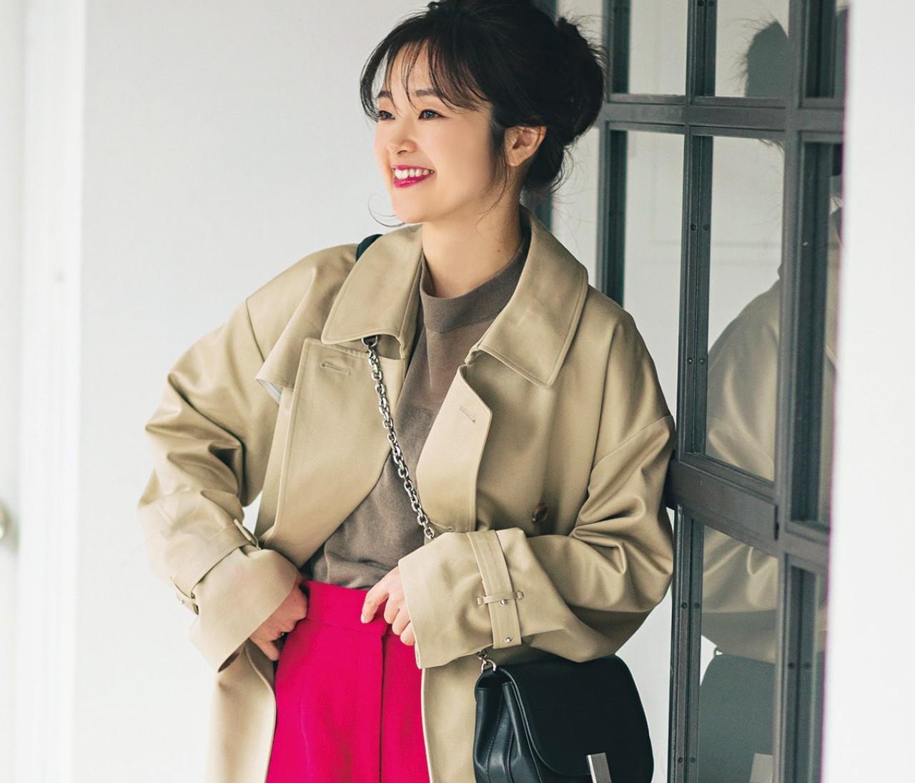 【おしゃれプロの愛用トレンチ】スタイリスト吉村友希さんはビビットなカラーパンツで色遊び♡
