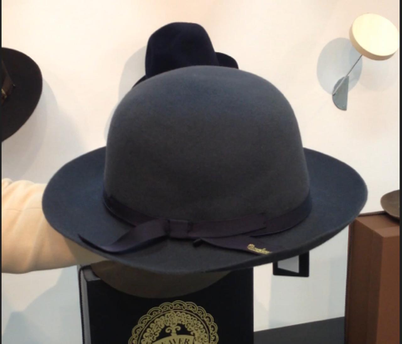 折りたためるフェルト帽