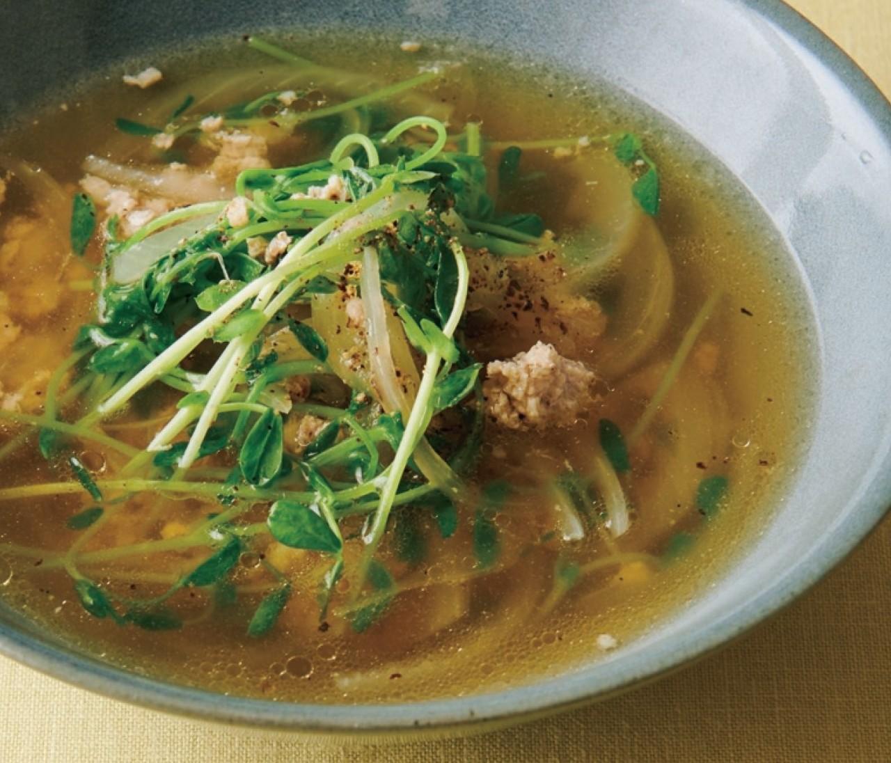 【温野菜レシピ】うまみたっぷり「玉ねぎと鶏ひき肉の塩スープ」