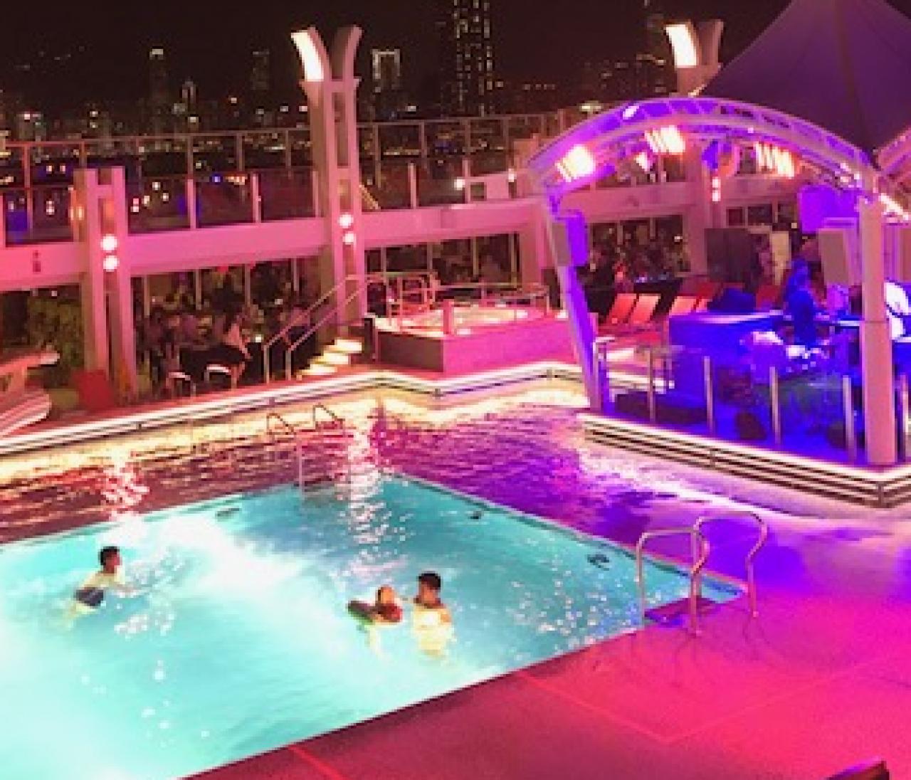 【香港の夏休み(1)】豪華客船「ドリームクルーズ」がすごかった!