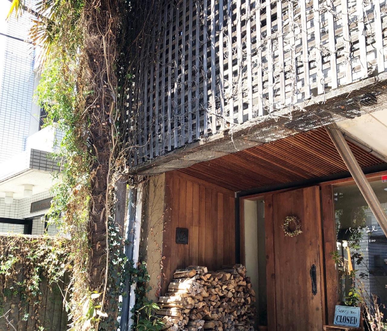 代々木にある新釜で焼くカンパーニュと食パンのパン屋さん