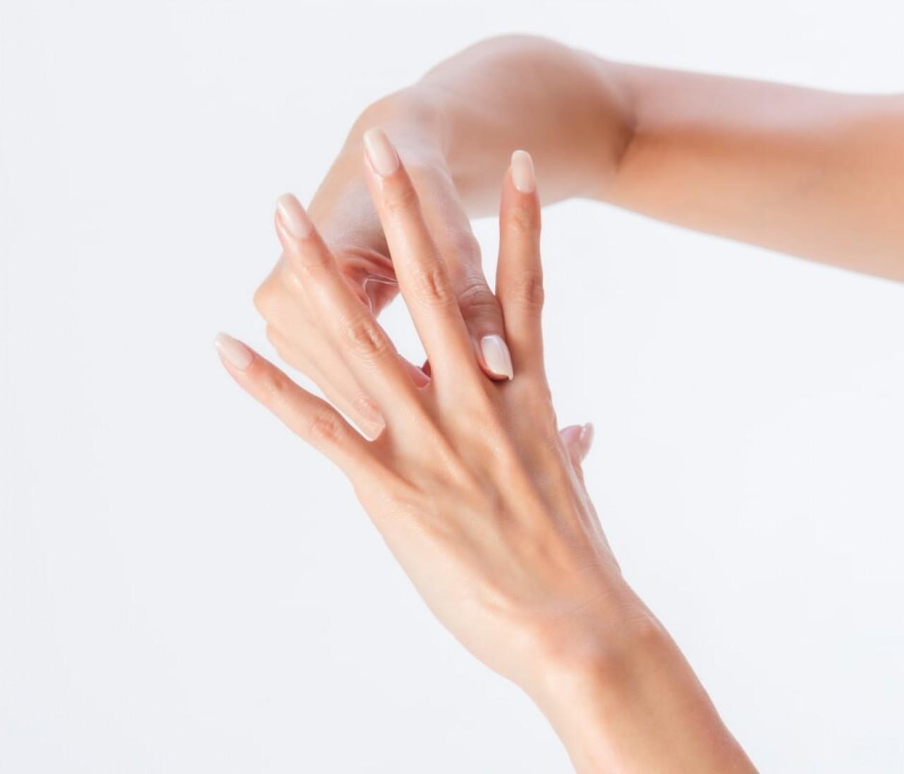 美肌と除菌を両立させる、究極のハンドケア【カリスマパーツモデル・金子エミ式】