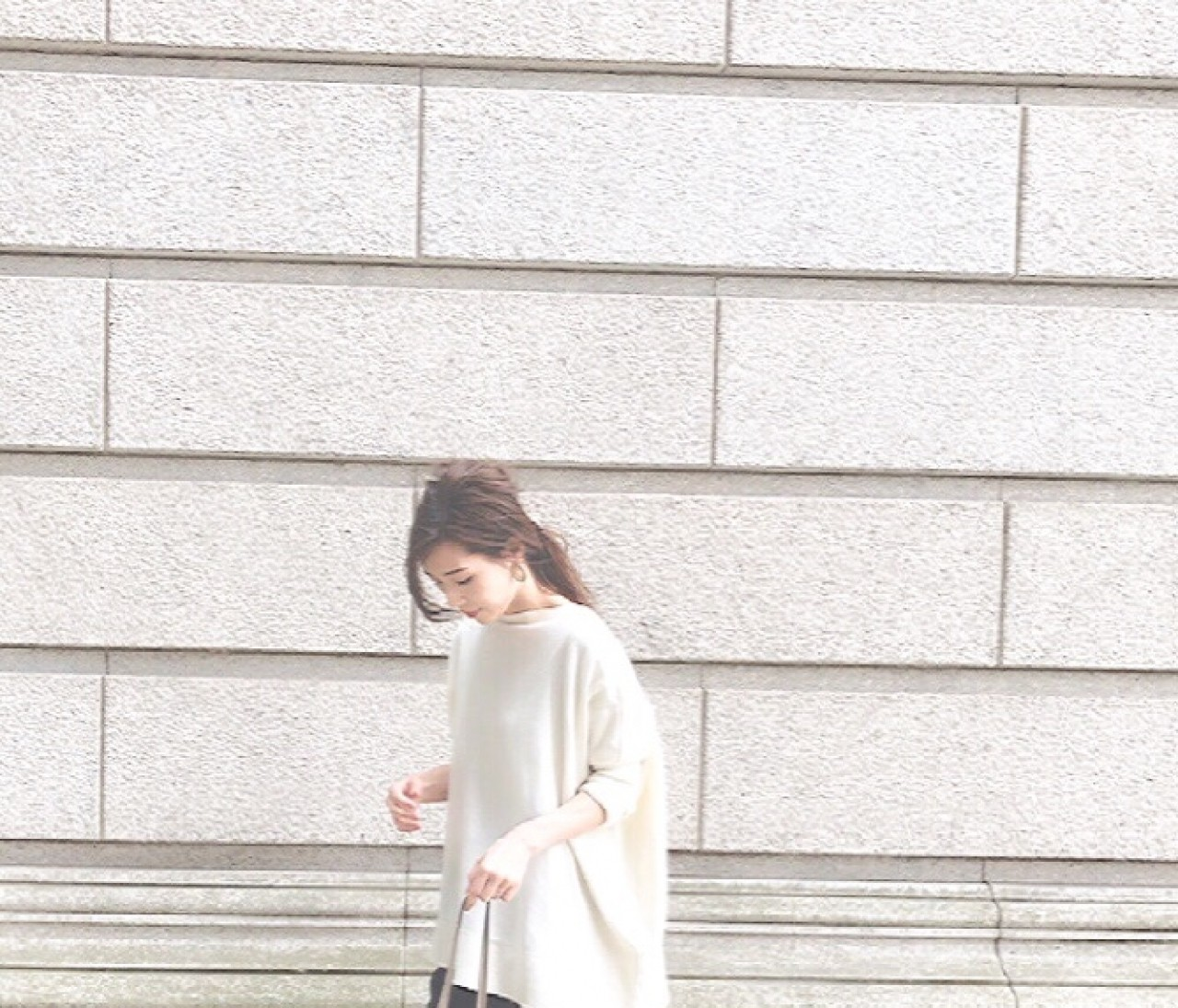 【通勤コーデ】プチプラ細見えトップスと綺麗めパンツ
