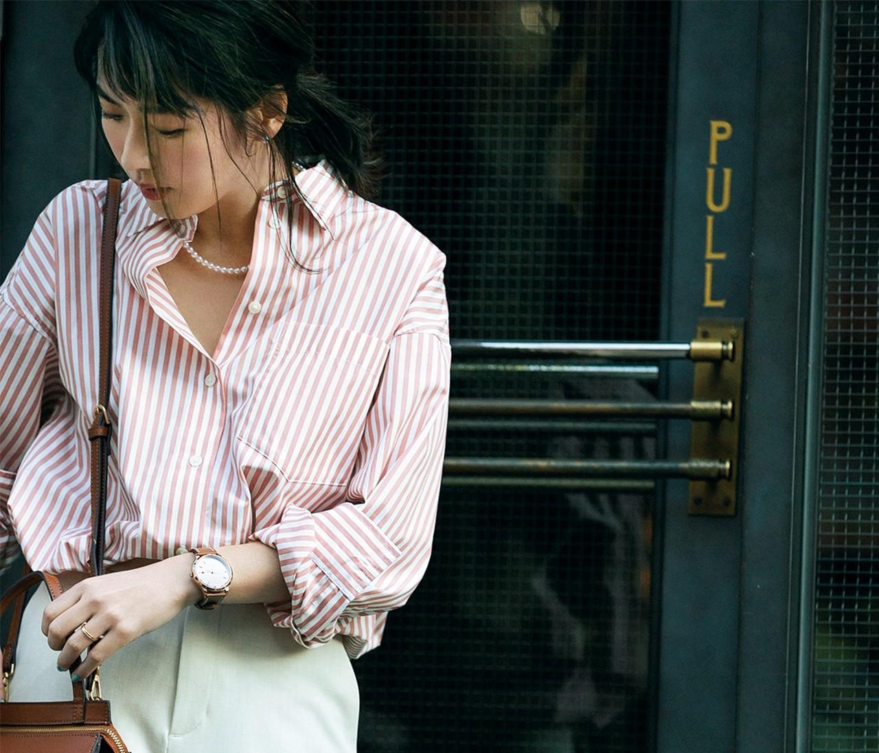 【伊藤真知さんの春いちユニクロ】「ピンクストライプシャツ」は女っぽ&今っぽく着る!