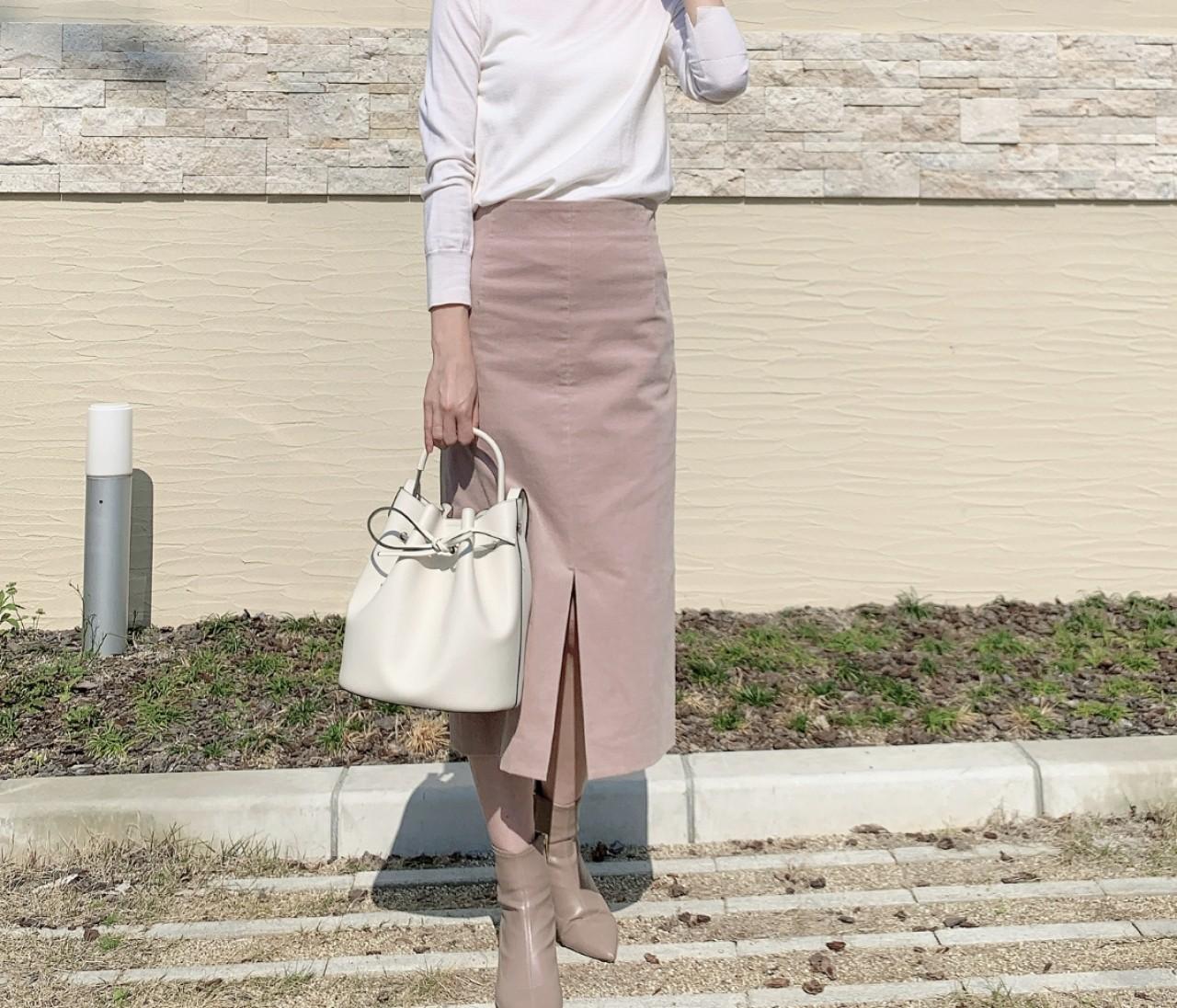 LOUNIEの桜色スカートで春コーデ