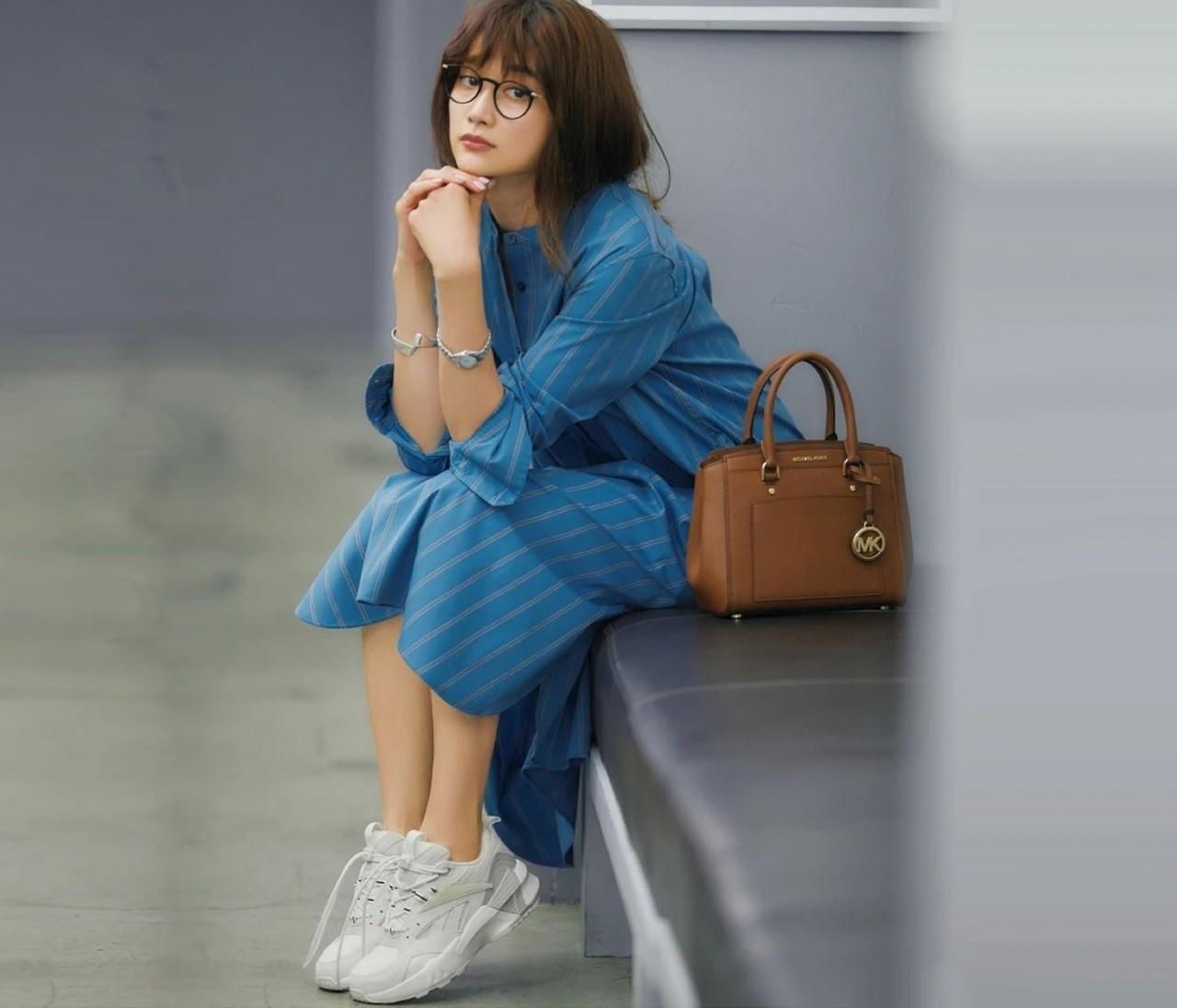 """""""秋スニーカー""""でマンネリコーデからよみがえる!スニーカー28選"""