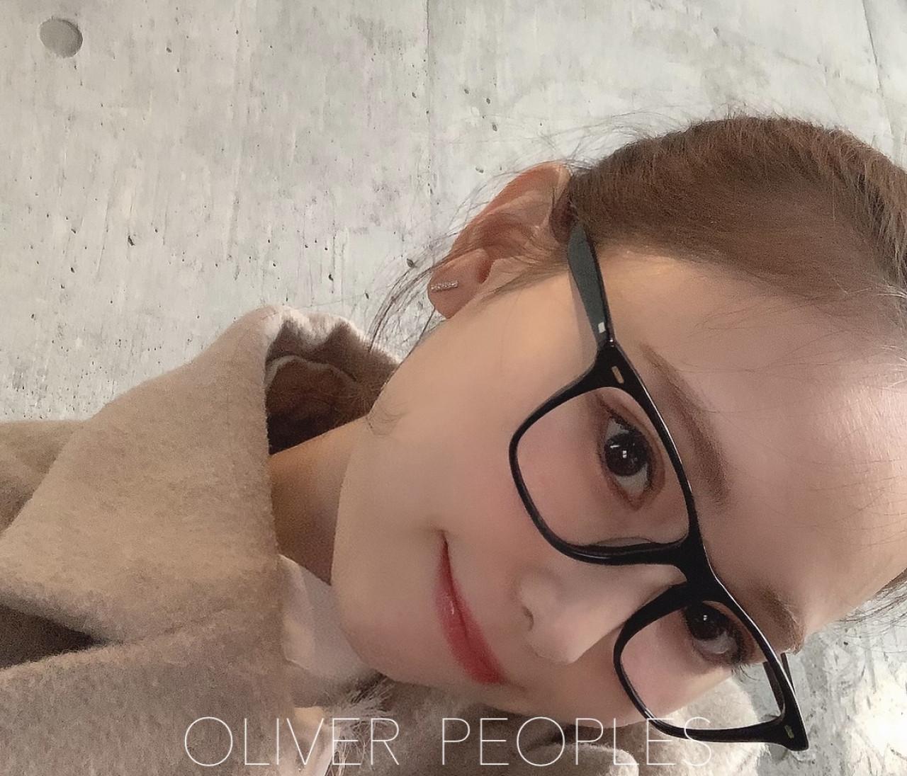 小物をアップデート!OLIVER PEOPLESのメガネ♡