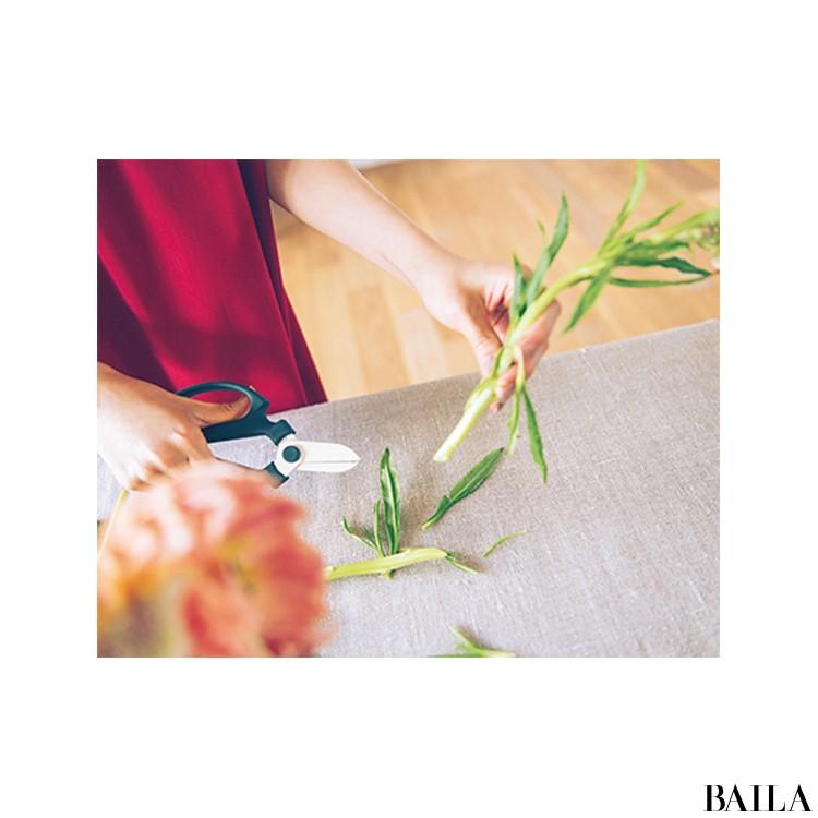秋を呼び込む花・ケイトウを大人っぽく飾る【カトパンのあえて小さく飾る花レッスン】_3