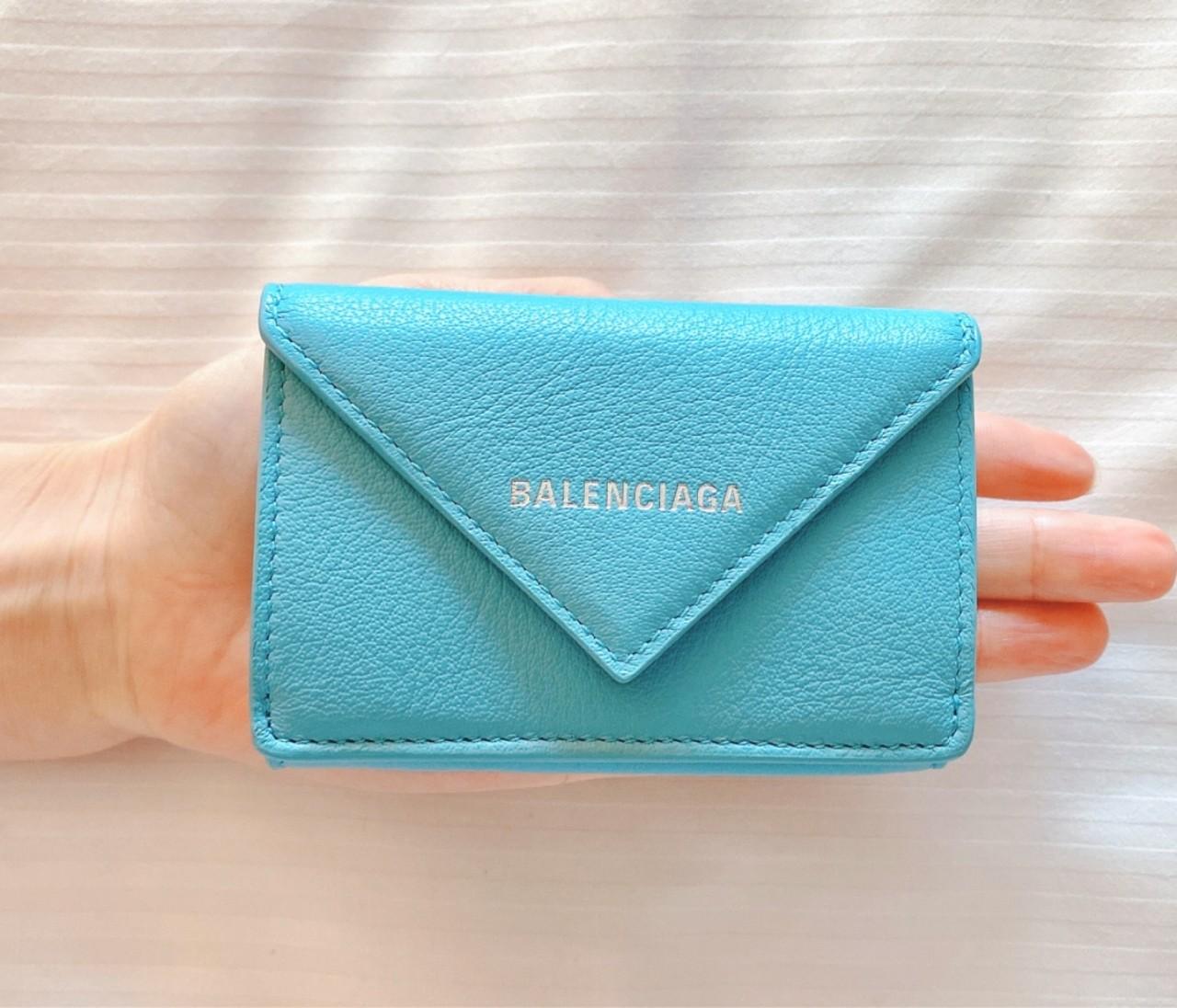 キャッシュレスな私♡BALENCIAGAのミニ財布
