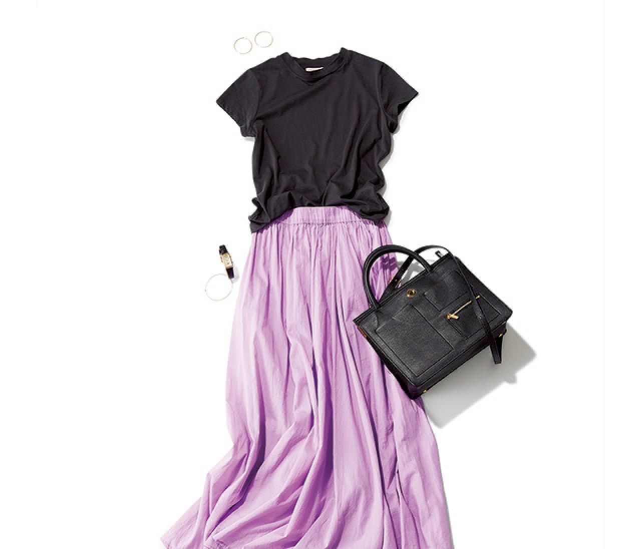 連休前の忙しい日は、Tシャツ×華スカートで〝ゆる華通勤〟を♪
